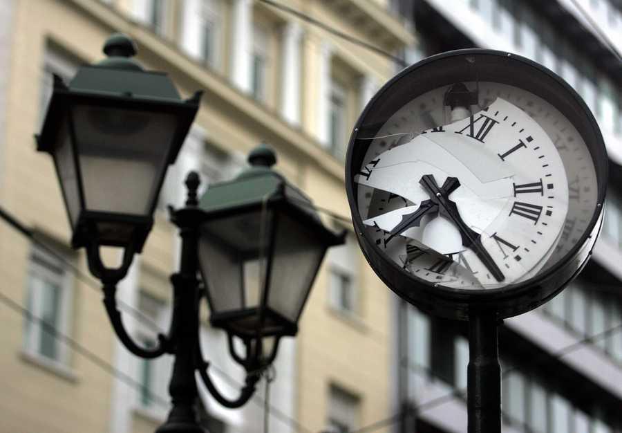 Άλλαξε η ώρα: Γυρίσατε τα ρολόγια σας μία ώρα μπροστά; – Σε ισχύ η θερινή ώρα