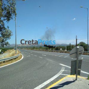 Έκτακτο: Πυρκαγιά στον κάμπο ανάμεσα σε Πραιτώρια και Λιγόρτυνο