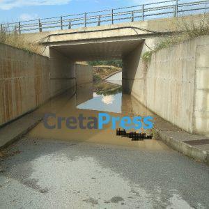 Πλημμύρισε γέφυρα στον Πύργο Μονοφατσίου (βίντεο)