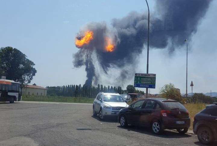 ΕΚΤΑΚΤΟ: Τεράστια έκρηξη στο αεροδρόμιο της Μπολόνια