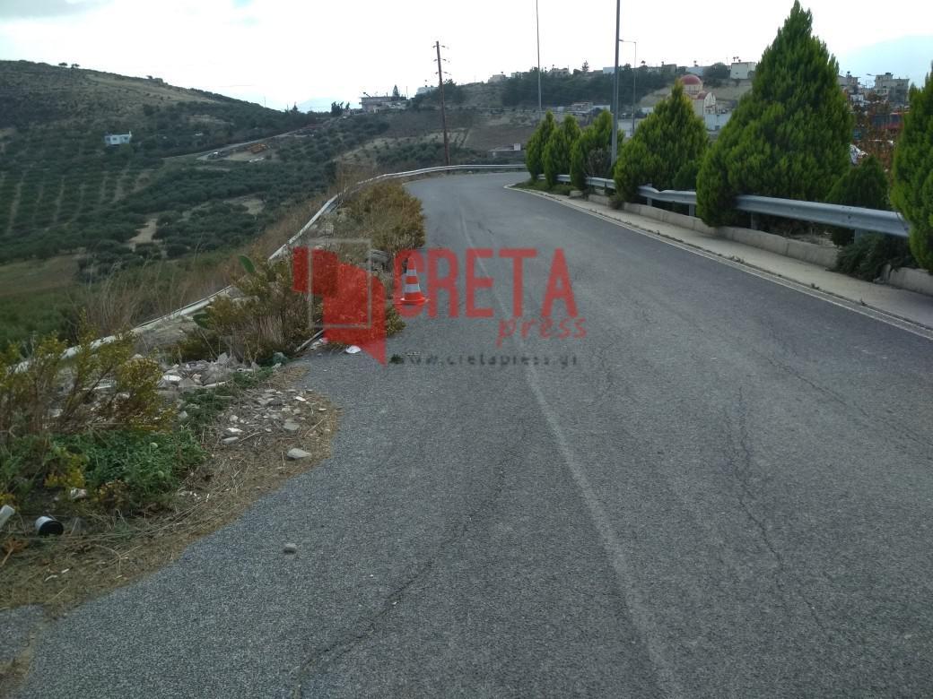 Λιγόρτυνος: Επικίνδυνος ο δρόμος στην είσοδο του χωριού