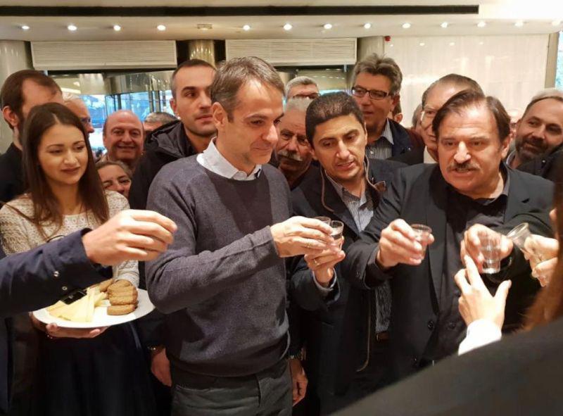 Ο Κυριάκος Μητσοτάκης και ο Λευτέρης Αυγενάκης στην Παγκρήτια Ένωση