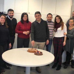Με στενούς συνεργάτες έκοψε την πρωτοχρονιάτικη πίτα στο γραφείο του στην Αθήνα ο Λ. Αυγενάκης