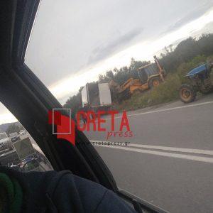 Εκτός πορείας φορτηγό στο δρόμο της Μεσαράς