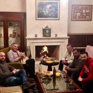 Κάτι ψήνεται στο σπίτι του Προέδρου της ΝΟΔΕ Ηρακλείου