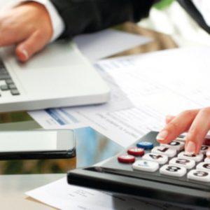 Ανάσα για τους ελεύθερους επαγγελματίες: Έρχονται μειώσεις σε φόρους και εισφορές στο 60% του εισοδήματος τους