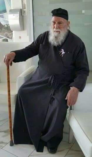 Εκοιμήθη ο πατήρ Νικόλαος από τα Καλύβια