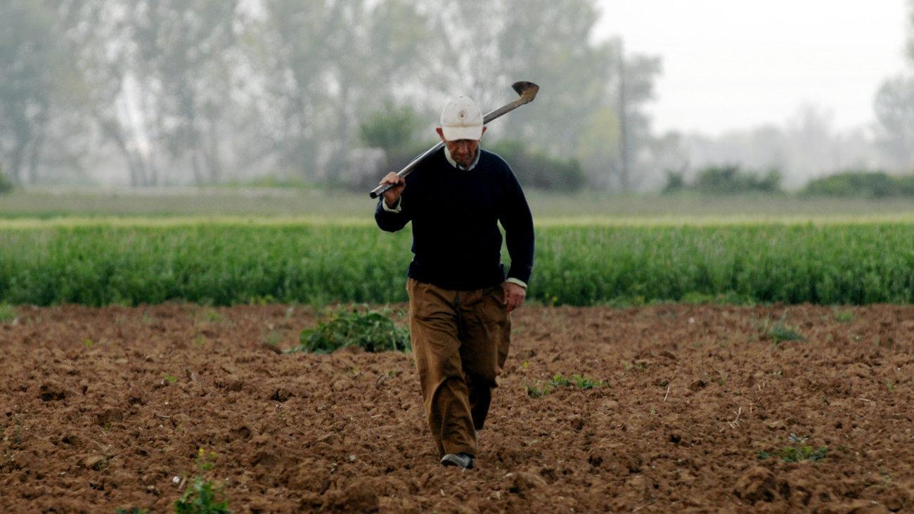 Πώς θα μετακινούνται οι αγρότες και οι εργάτες γης από σήμερα