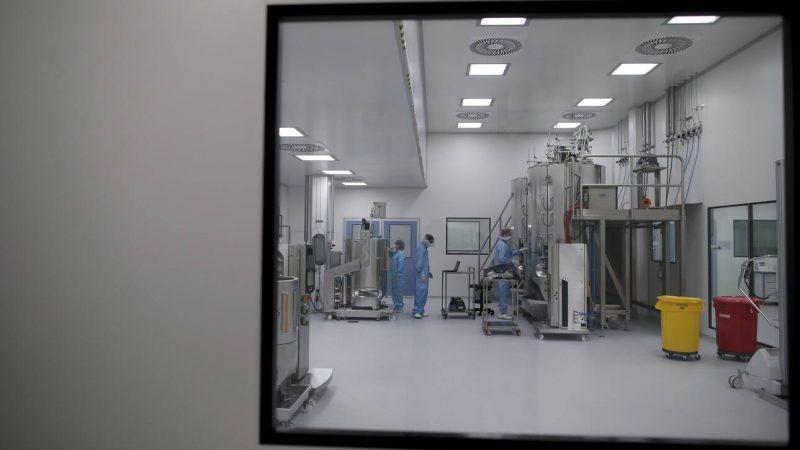 Επικεφαλής AstraZeneca: Αποτελεσματικό το εμβόλιό μας και στη νέα μετάλλαξη