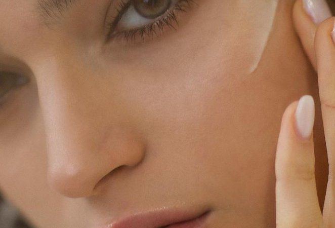 Το beauty routine που μας φτιάχνει τη διάθεση