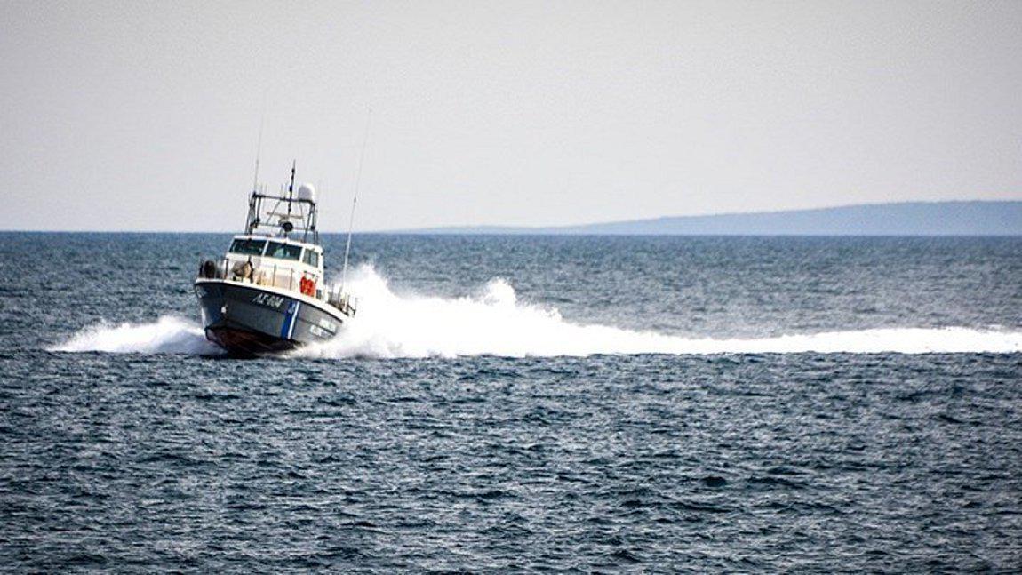 Ναυάγιο με μετανάστες στη Μυτιλήνη: Ένας νεκρός, επιχείρηση απεγκλωβισμού 24 ατόμων