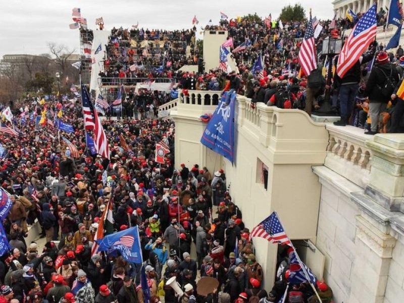Ουάσινγκτον: Σε κατάσταση έκτακτης ανάγκης μετά την αποκάλυψη για σχέδιο άλλων 3 επιθέσεων