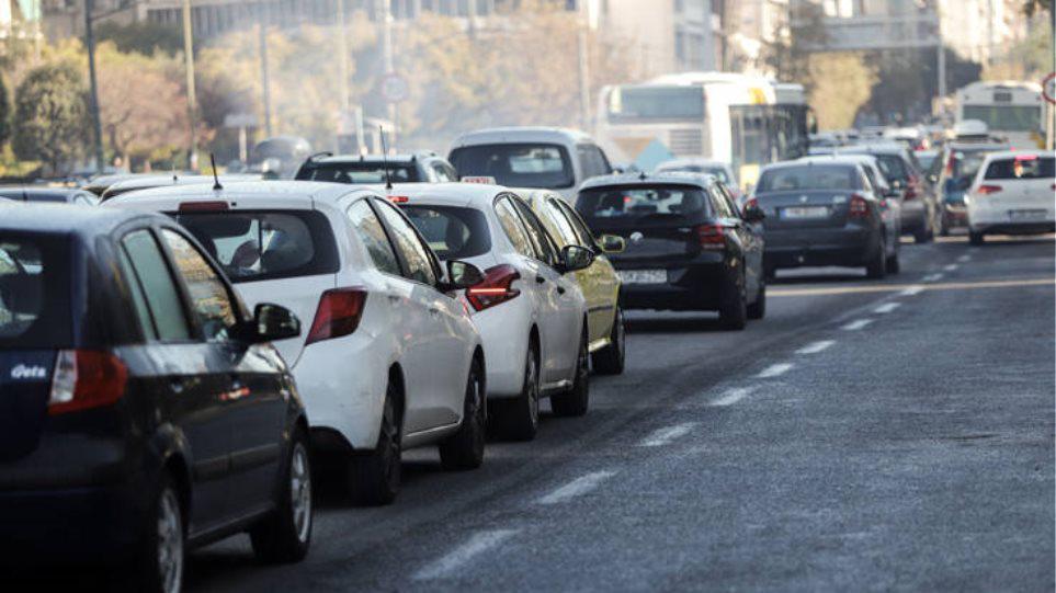 Κίνηση: Τροχαίο στην Κηφισίας – Προβλήματα στην κυκλοφορία