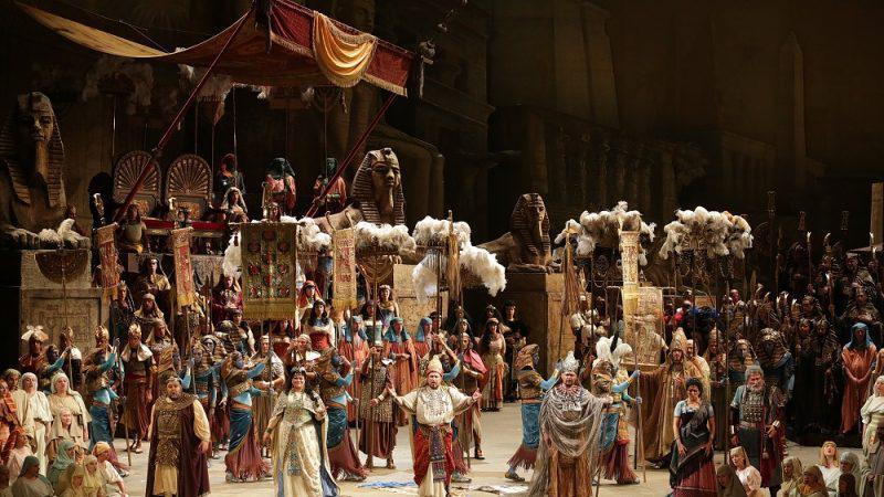 Γιορτάζοντας αυτή την επέτειο, το Christmas Theater μεταδίδει online τη διάσημη όπερα από τη Σκάλα του Μιλάνου, από τις 8 έως τις 10 Ιανουαρίου, με ελληνικούς υπότιτλους.