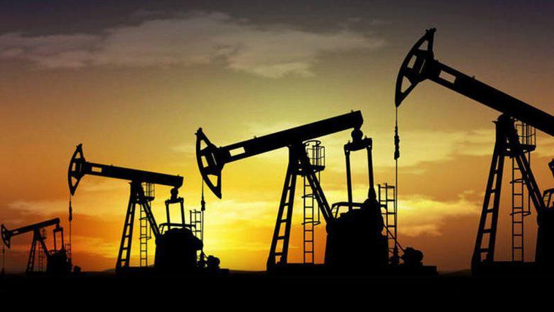 Μειώνονται οι τιμές του πετρελαίου