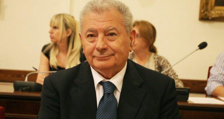 Βρέθηκε νεκρός ο Σήφης Βαλυράκης -Αγνοούνταν με το φουσκωτό σκάφος του ανοιχτά της Ερέτριας
