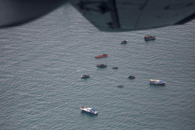 Ινδονησία : Βρέθηκαν συντρίμμια του αεροσκάφους – Εντοπίστηκαν σήματα πιθανώς από το μαύρο κουτί
