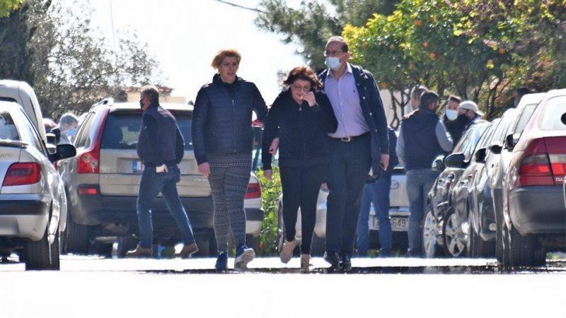 Γιώργος Καραϊβάζ : Θρήνος για τον θάνατό του – Υποβασταζόμενη η σύζυγός του