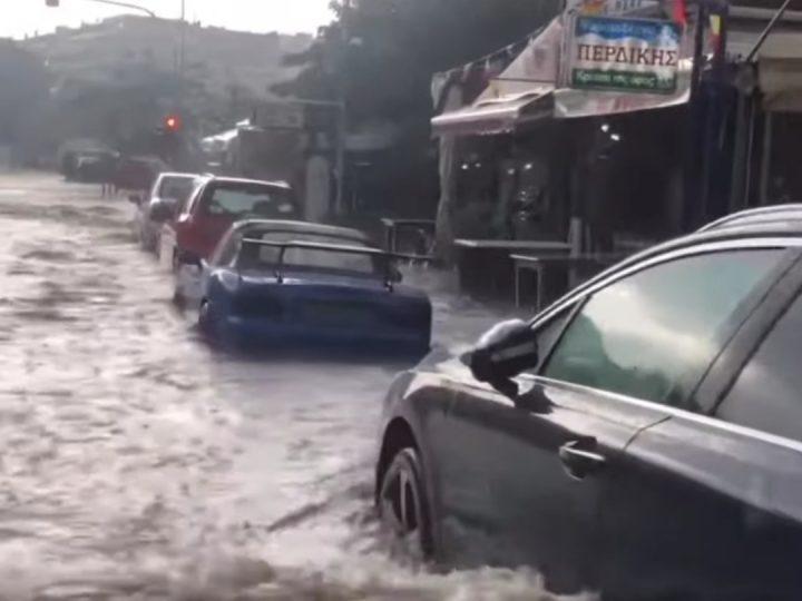 Πλημμύρισε η Καβάλα στο κέντρο της πόλης από τις βροχές
